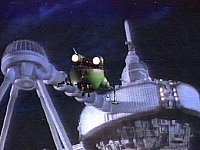 Starbug approaches a derelict spaceship