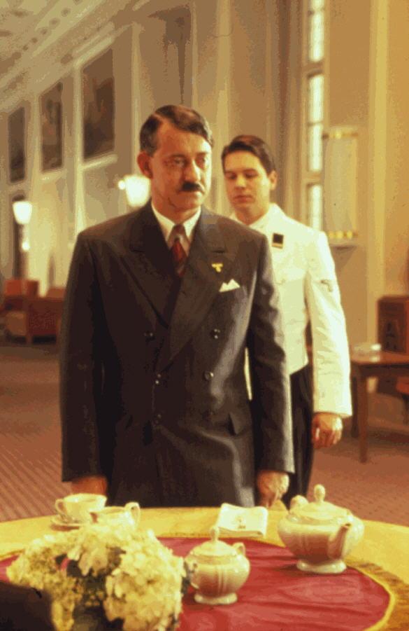 Rolf Kanies as Hitler in 'Joe & Max'