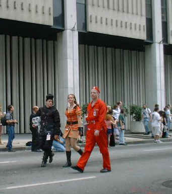 HDS, Tree and Todd do the Kai, Xev and Stanley thing at the UScon Recon Mission to Dragon Con 2002 Parade in Atlanta